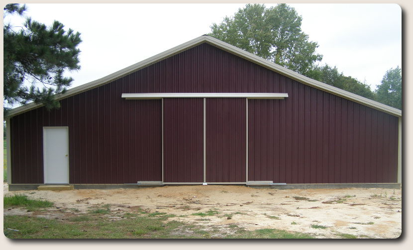 Pole building construction pole barn construction company for Horse barn builder